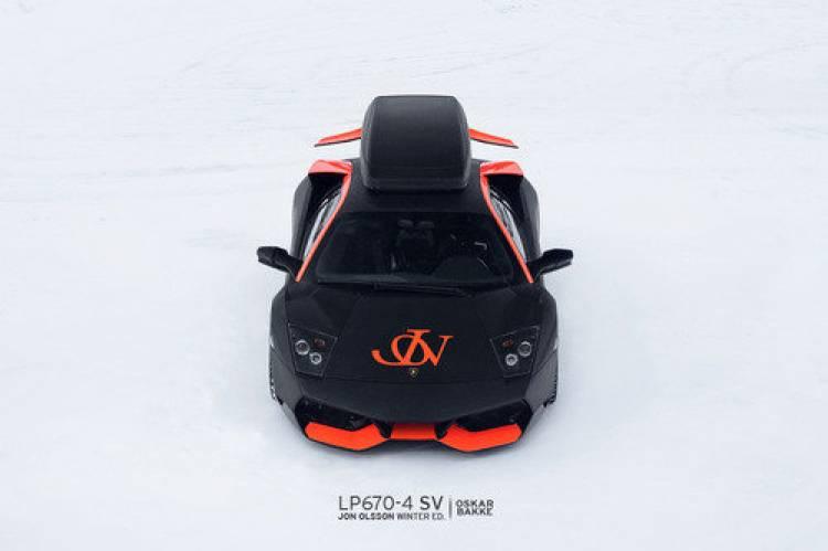 Un Lamborghini Murciélago LP670-4 SV muy invernal