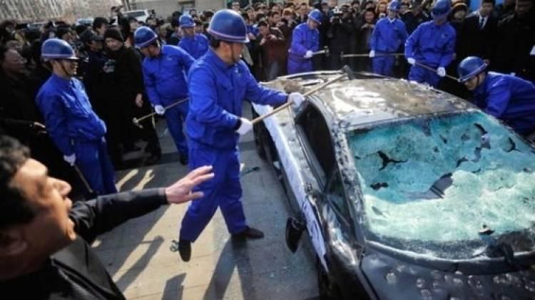 Cómo ejecutar públicamente un Lamborghini para protestar ante el concesionario, vídeo