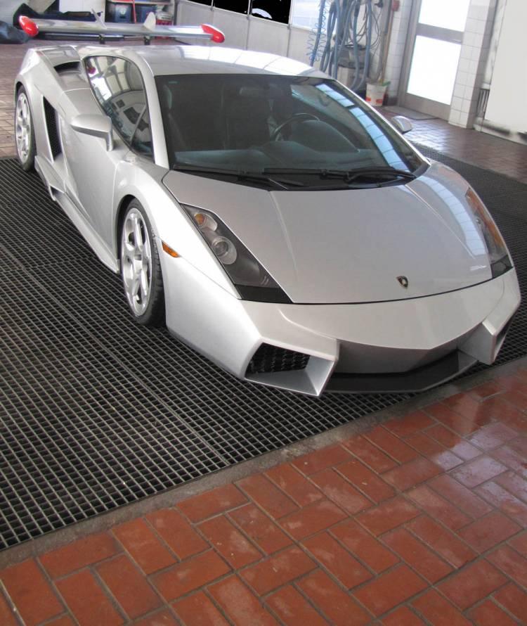 Lamborghini Gallardo convertido en Reventón por CDC