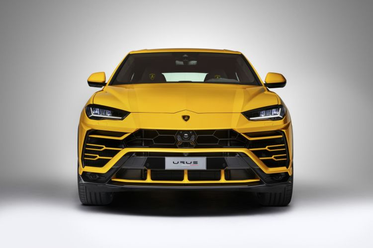 Lamborghini Urus 03