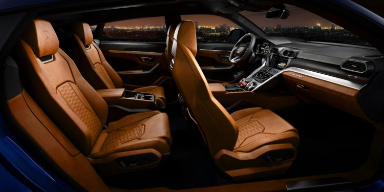 Lamborghini Urus 24