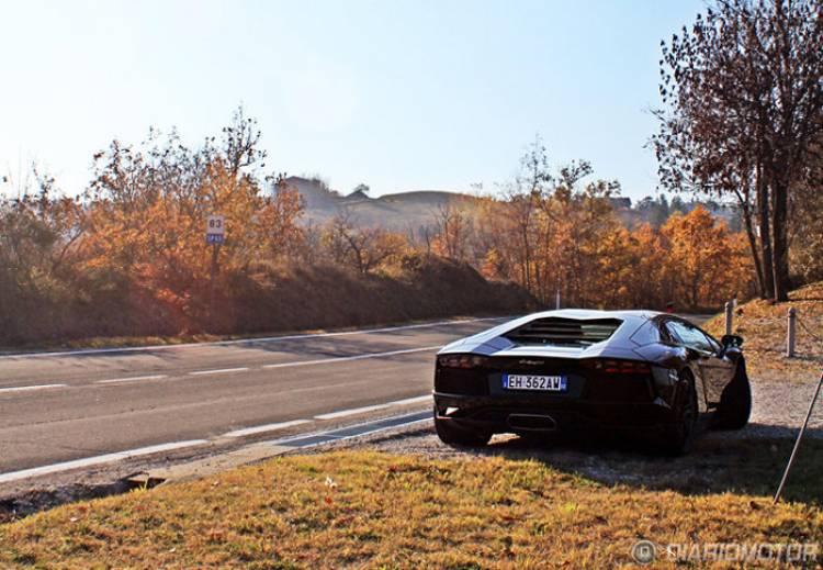 ¿Llega el Aventador Roadster?