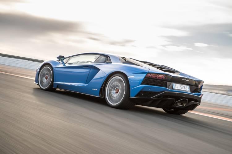 Lamborghini Aventador Informacion Dm5