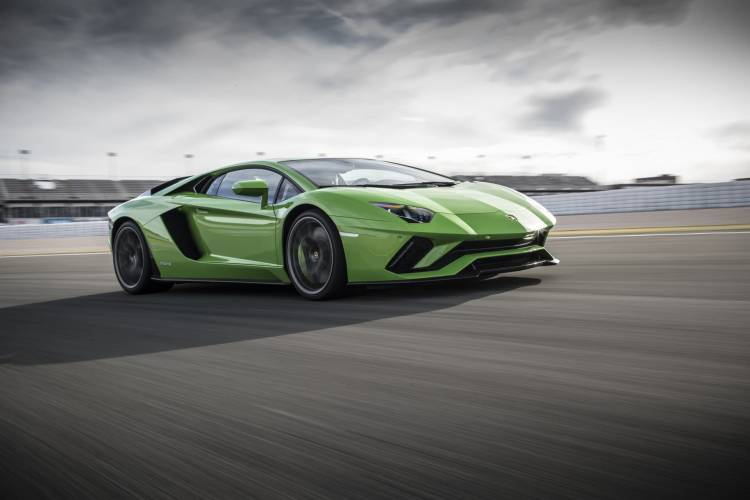 Lamborghini Aventador Informacion Dm7