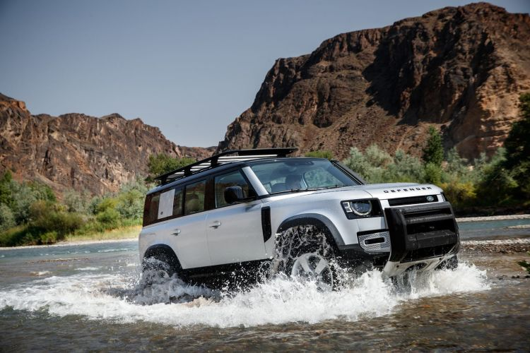 Land Rover Defender 2020 143