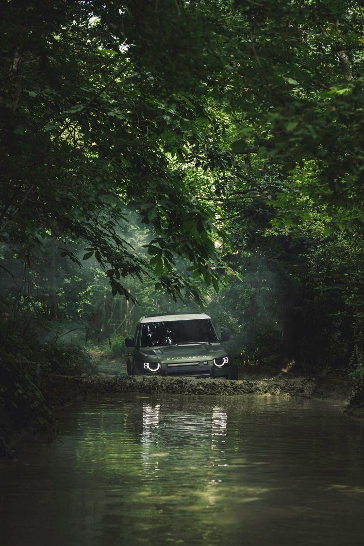 Land Rover Defender 2020 57