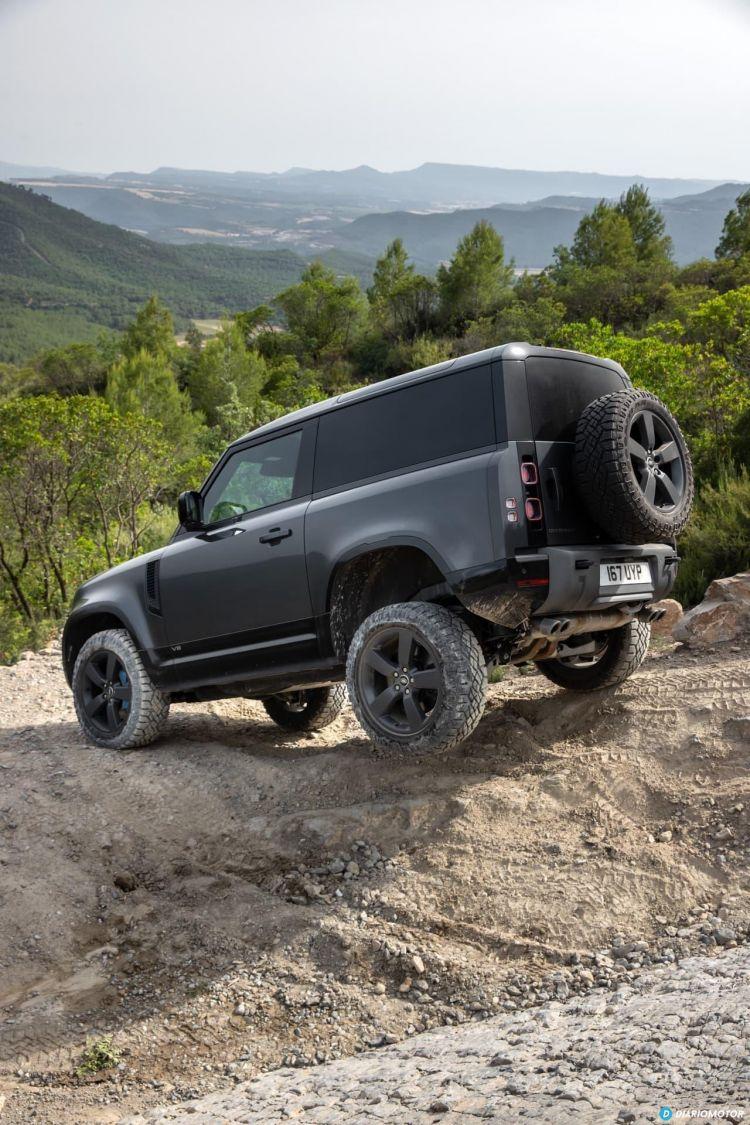 Land Rover Defender 90 V8 Offroad  00013
