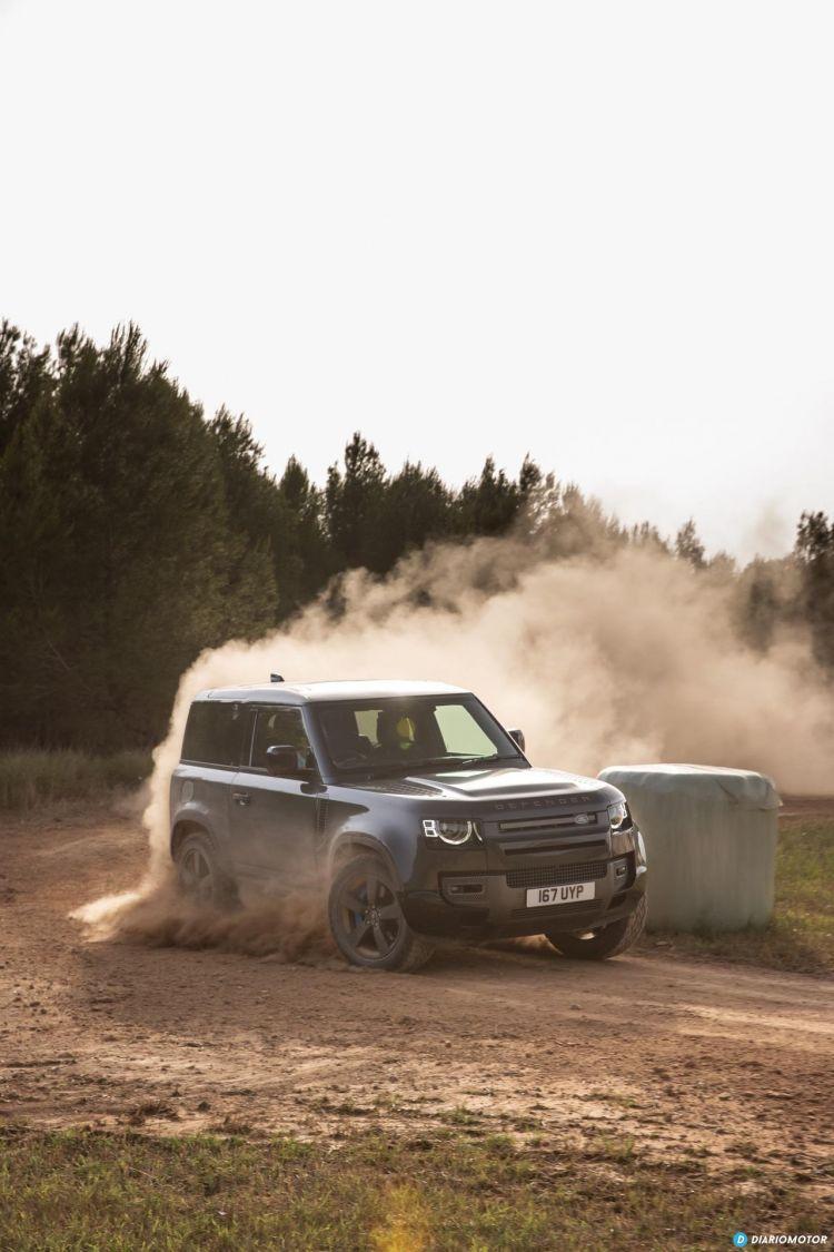 Land Rover Defender 90 V8 Offroad  00034