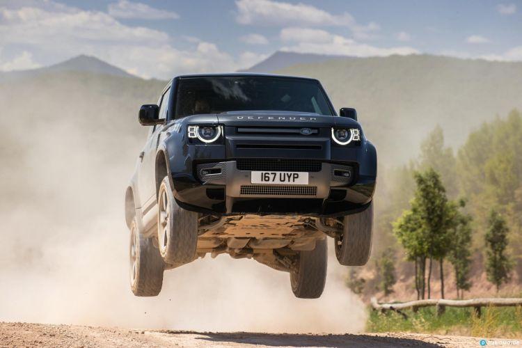 Land Rover Defender 90 V8 Offroad  00036