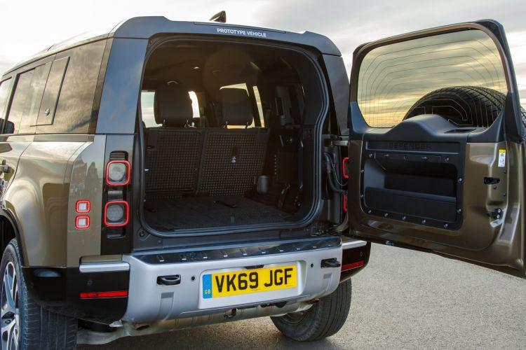 Land Rover Defender Interior 00004