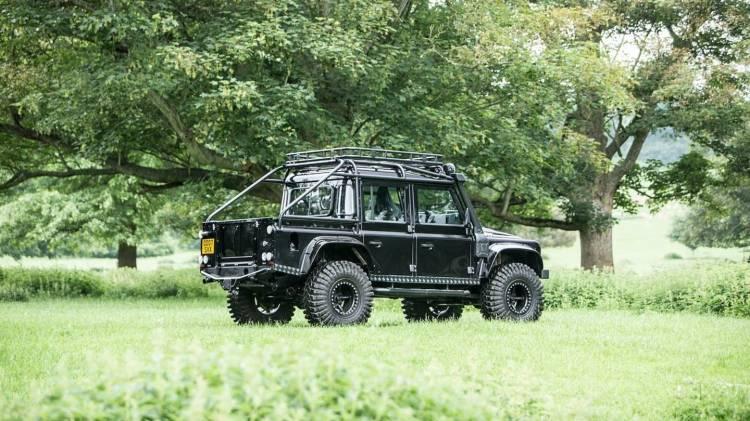 Land Rover Defender Svx James Bond Spectre 0618 022
