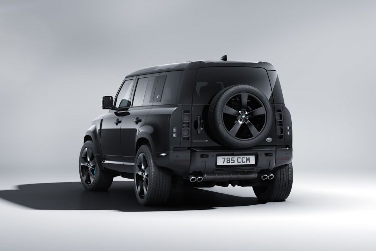 Land Rover Defender V8 Bond Edition 0921 007