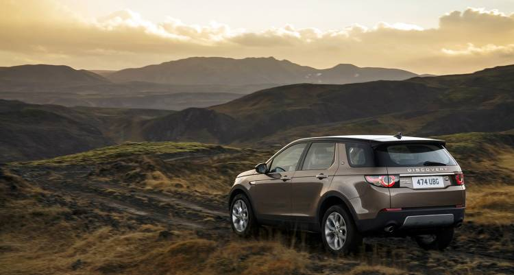 land-rover-discovery-sport-2015-ingenium-diesel-02-1440px