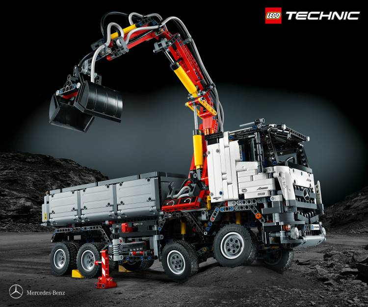 lego-mercedes-camion-01-1440px
