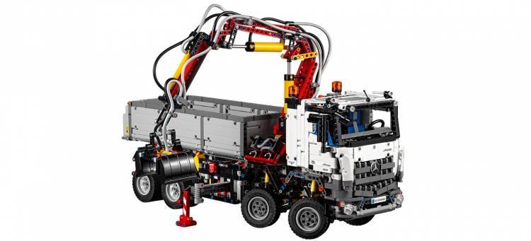lego-mercedes-camion-02-1440px