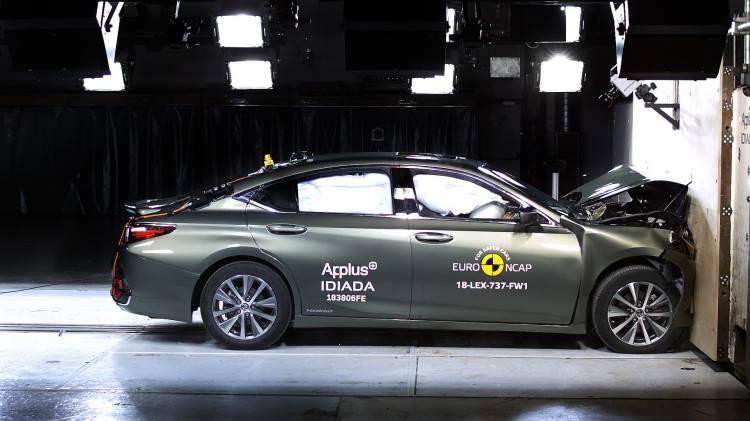 Lexus Es Euroncap Crash Test