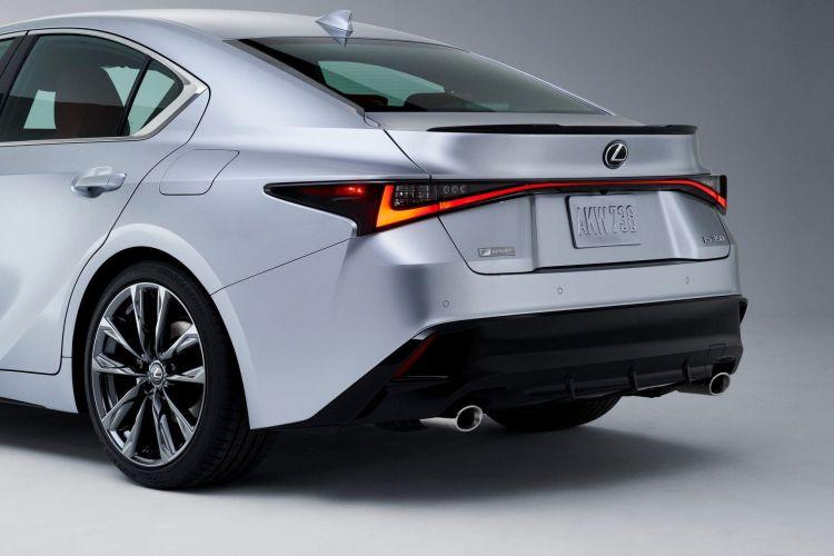 Lexus Is 2021 12