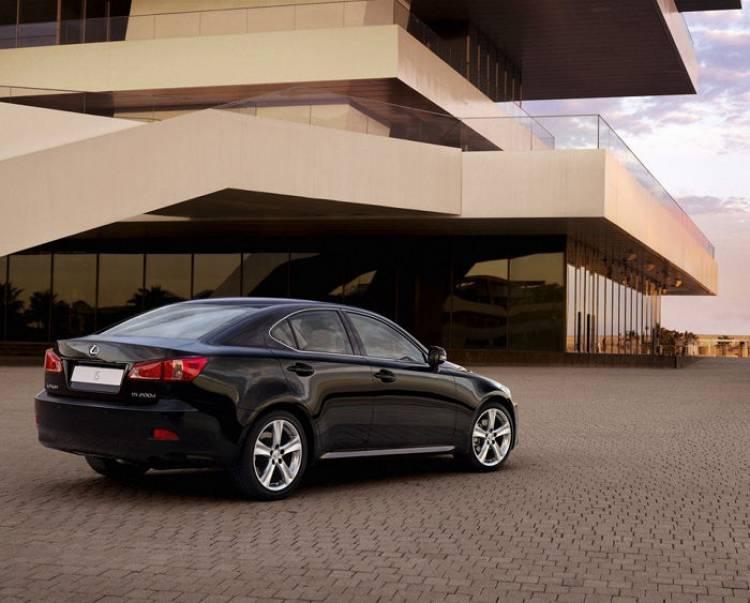 Lexus presenta una nueva edición del IS 200d: más equipamiento con un precio de 27.950 euros