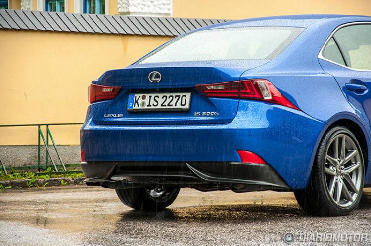Prueba del Lexus IS