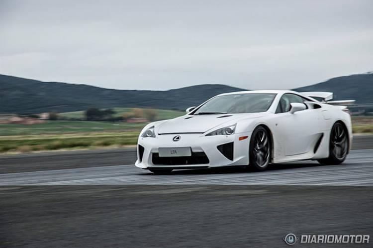 Prueba del Lexus LFA