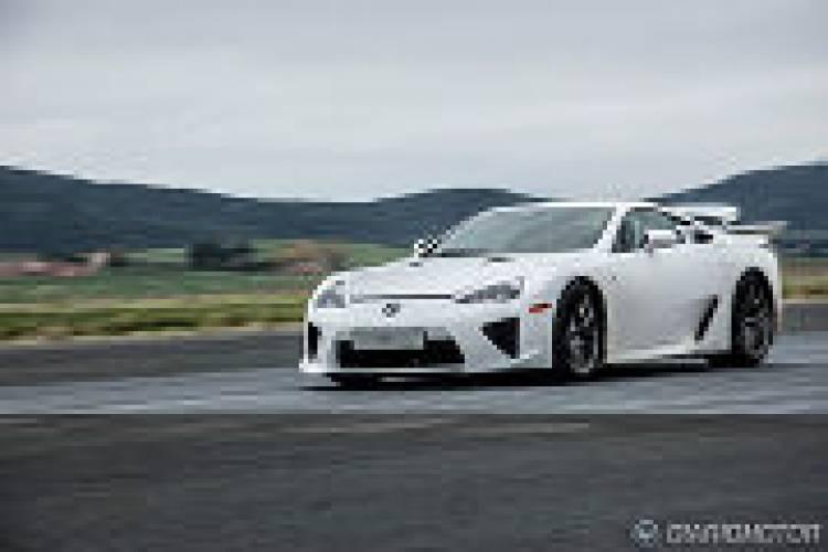 Lexus produce el último LFA