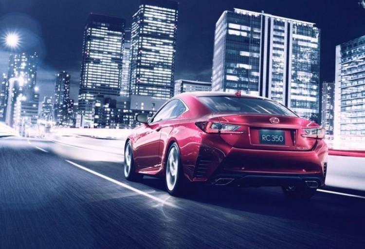 Lexus RC, el afilado y deportivo coupé derivado del IS nos saluda