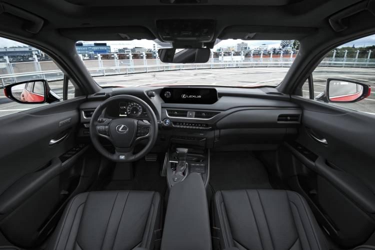 Lexus Ux 250h 0918 006
