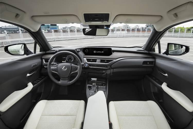 Lexus Ux 250h 0918 012