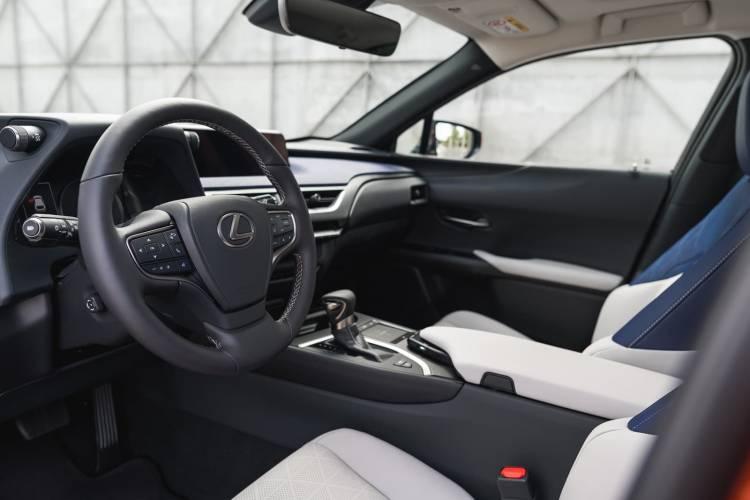 Lexus Ux 250h 0918 029