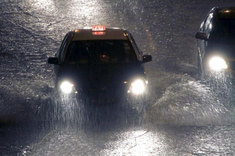 Macau Lluvia Fuerte Taxi