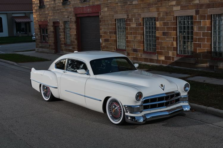 Madam V Cadillac Ringbrothers 2