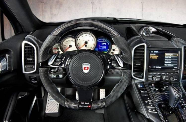 Mansory Porsche Cayenne, ensanchamientos y fibra de carbono