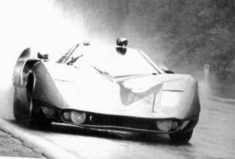 Marcos Mantis XP, el Sport Prototipo más peculiar y acristalado