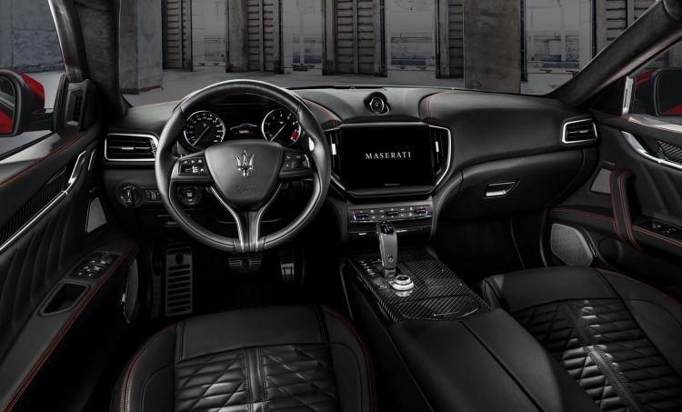 Maserati Ghibli Quattroporte Trofeo 0820 011