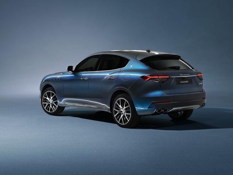 Maserati Levante Hybrid 2021 0421 Trasera Lateral 005