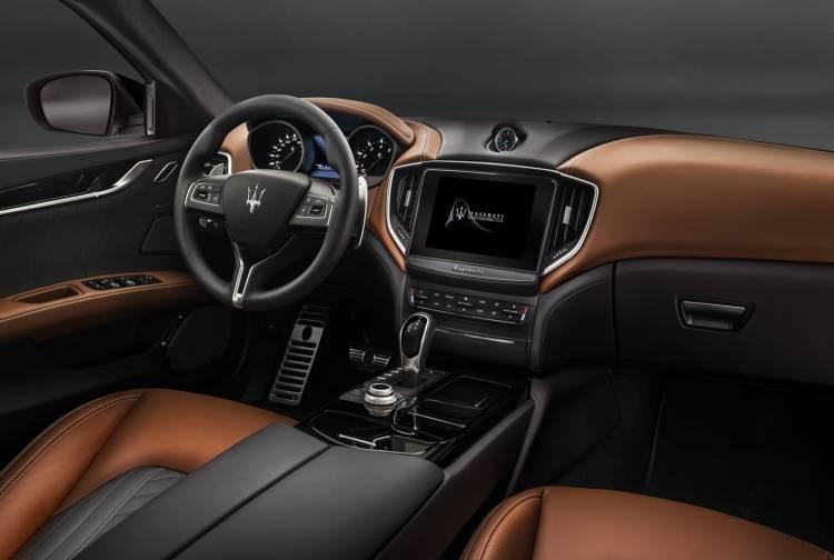 Maserati Ghibli Ficha 0418 009