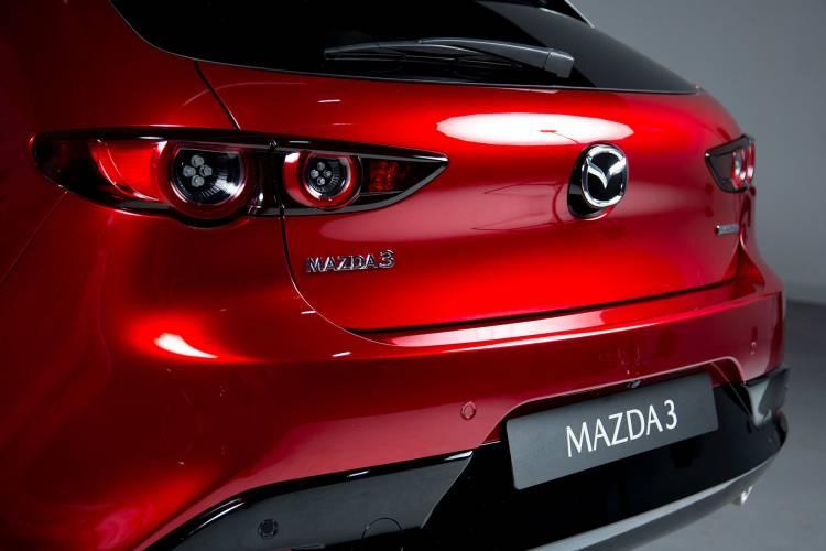 Mazda 3 2019 Rojo Detalles 01