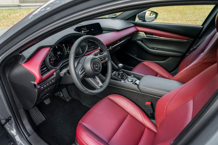 Mazda 3 Skactiv X Interior 00002