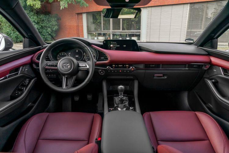 Mazda 3 Skactiv X Interior 00005