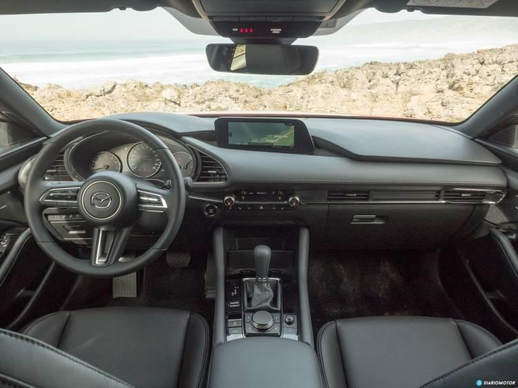 Mazda 3 Skyactiv G Interior 00018