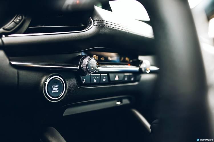 Mazda 3 Skyactiv G Interior 00101