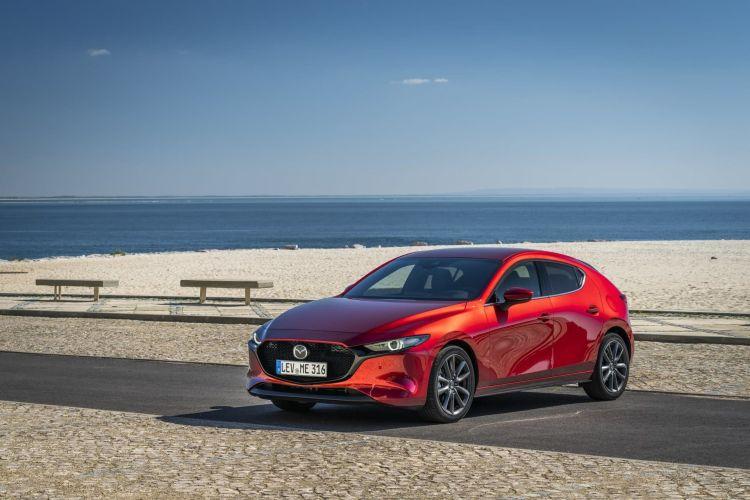 Mazda 3 Skyactiv G Oficial Rojo 00120