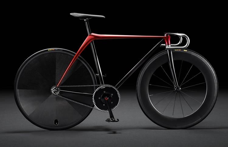 mazda-sofa-bicicleta-mesa-01-1440px