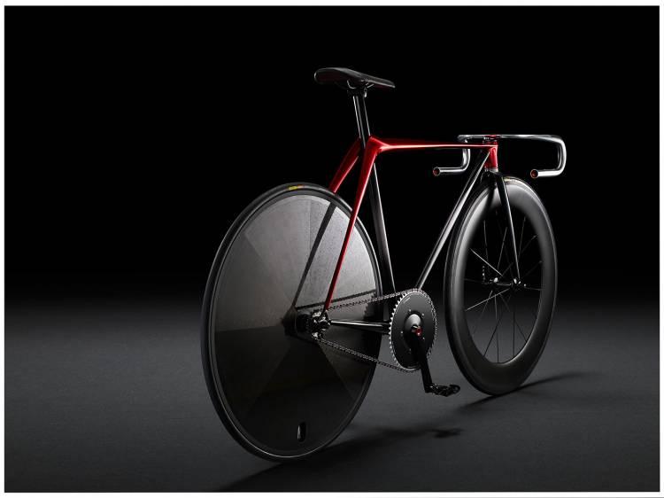 mazda-sofa-bicicleta-mesa-03-1440px
