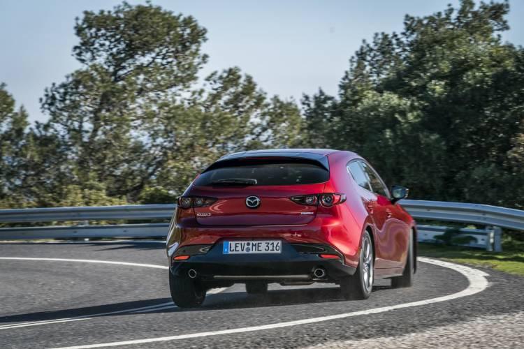 Mazda3 2019 Soulredcrystal Trasera 03