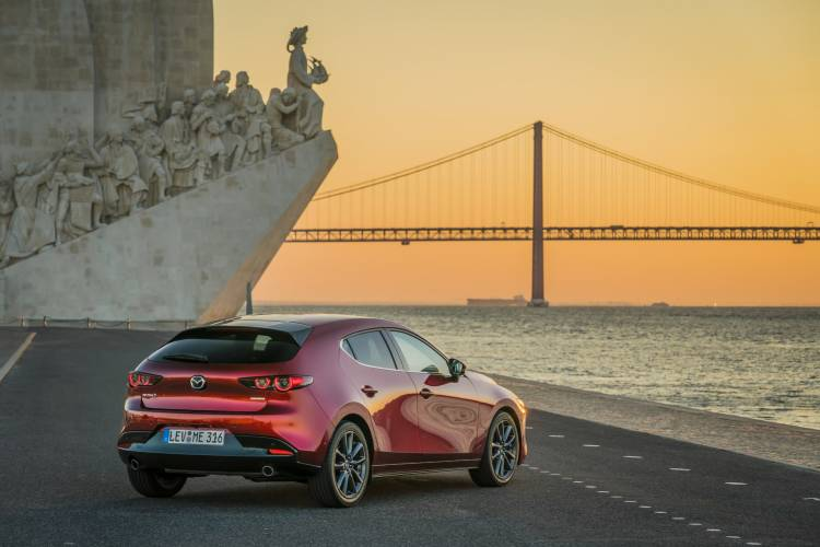 Mazda3 2019 Soulredcrystal Trasera 06