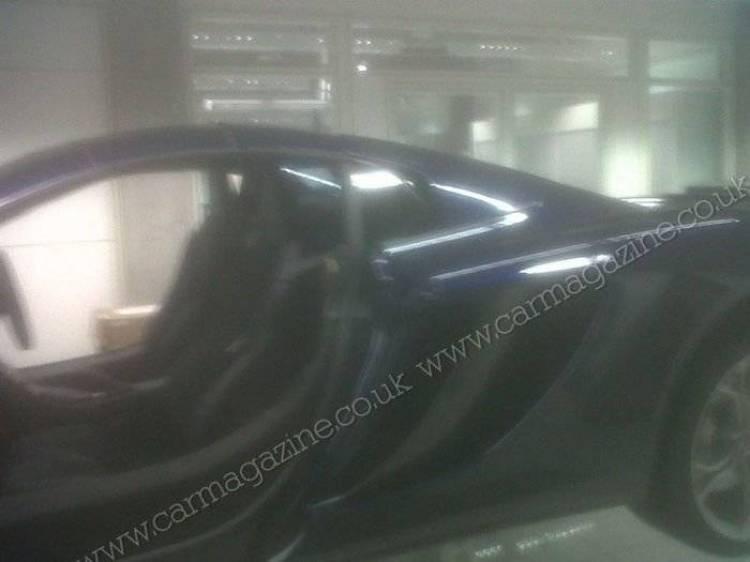 Imágenes sin camuflaje del nuevo McLaren MP4-12C Roadster
