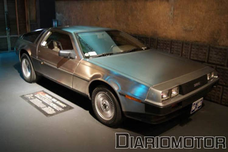 Megaweb DMC Delorean - Regreso al Futuro