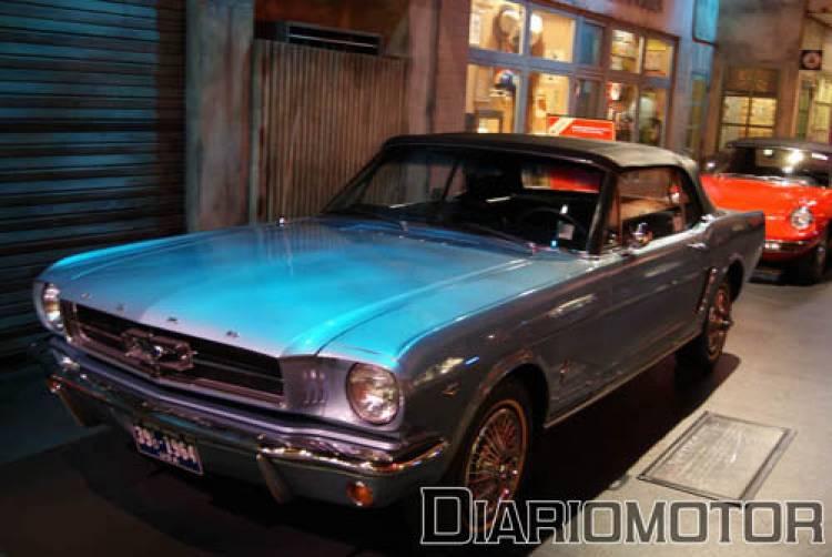 Megaweb Ford Mustang de 64