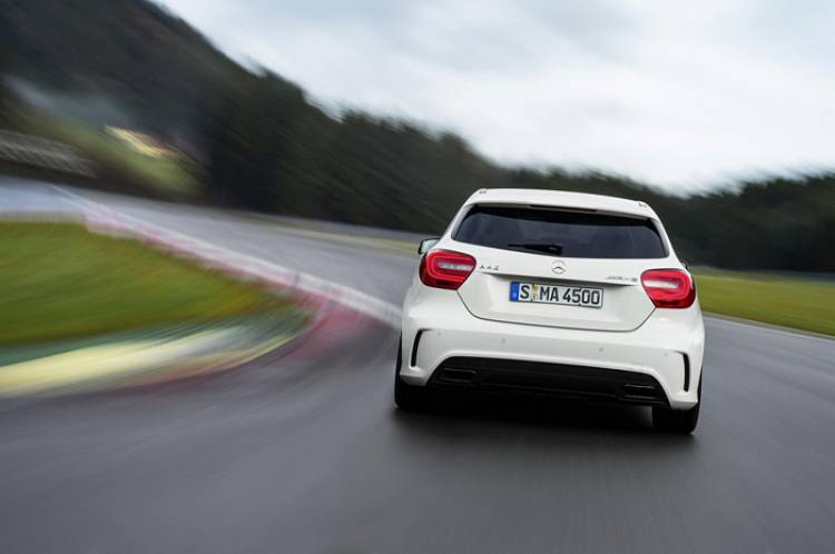 Mercedes A45 AMG Black Series: ¿dispuesto a llegar a los 400 caballos?